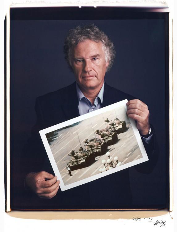 17. Jeff Widener, homem do tanque  (1989)