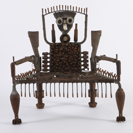dezeen_When-I-get-Green-furniture-made-of-guns-by-Goncalo-Mabunda-at-Jack-Bell-Gallery-13