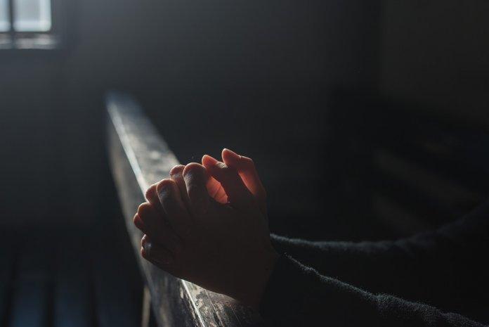 Estudo diz que Acreditar em Deus reduz ansiedade e estresse