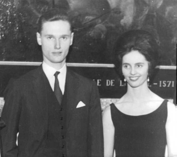 Dom Sixto Henrique (esq.) e Maria Teresa de Bourbon-Parma (dir.) são filhos de Francisco Xavier de Bourbon-Bragança, o Duque de Parma, que ocupou o trono espanhol de 1936 a 1975, durante a ditadura de Francisco Franco – 26/03/2020 Facebook/Reprodução